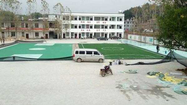 666浩泽建筑公司又一个球场跑道工程完美竣工了塑胶跑道工程带你了解